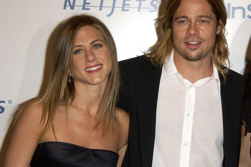 Pal claims Jennifer Aniston kept in touc...