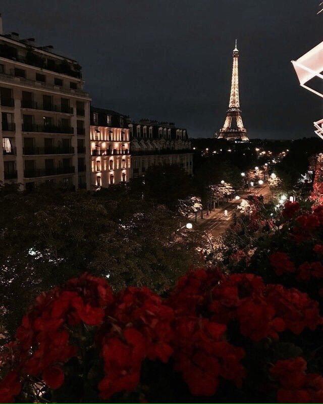 ساعات الليل المتأخرة في باريس ولندن وشيك...