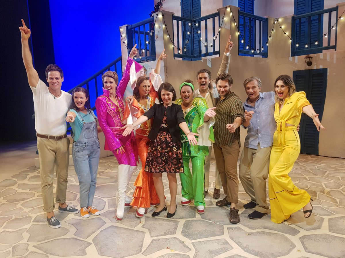 With the cast of @MammaMiaMusical  Fabul...