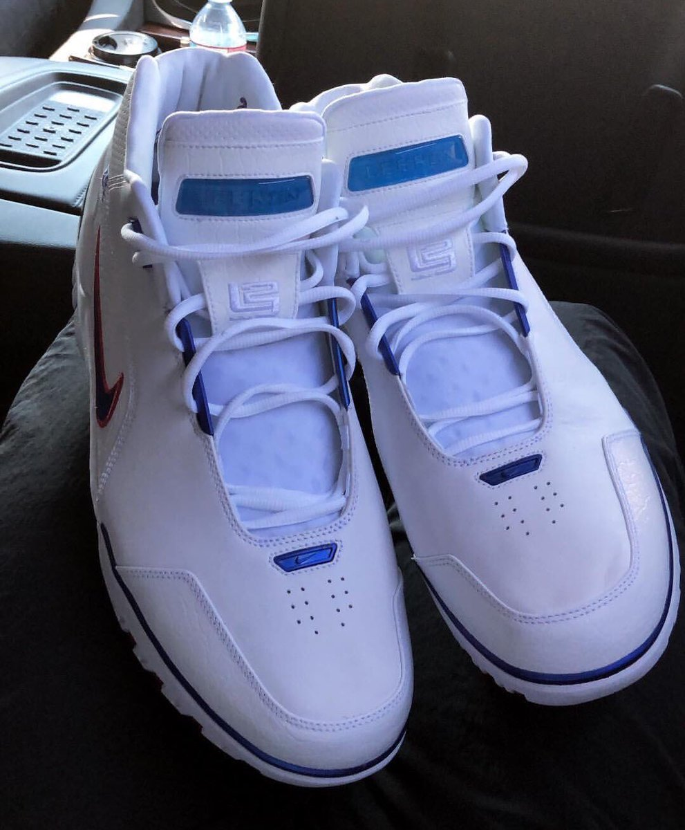 b9fc2d4163e7 kingjames gives us another look at the 2018 la all star nike air zoom  generation