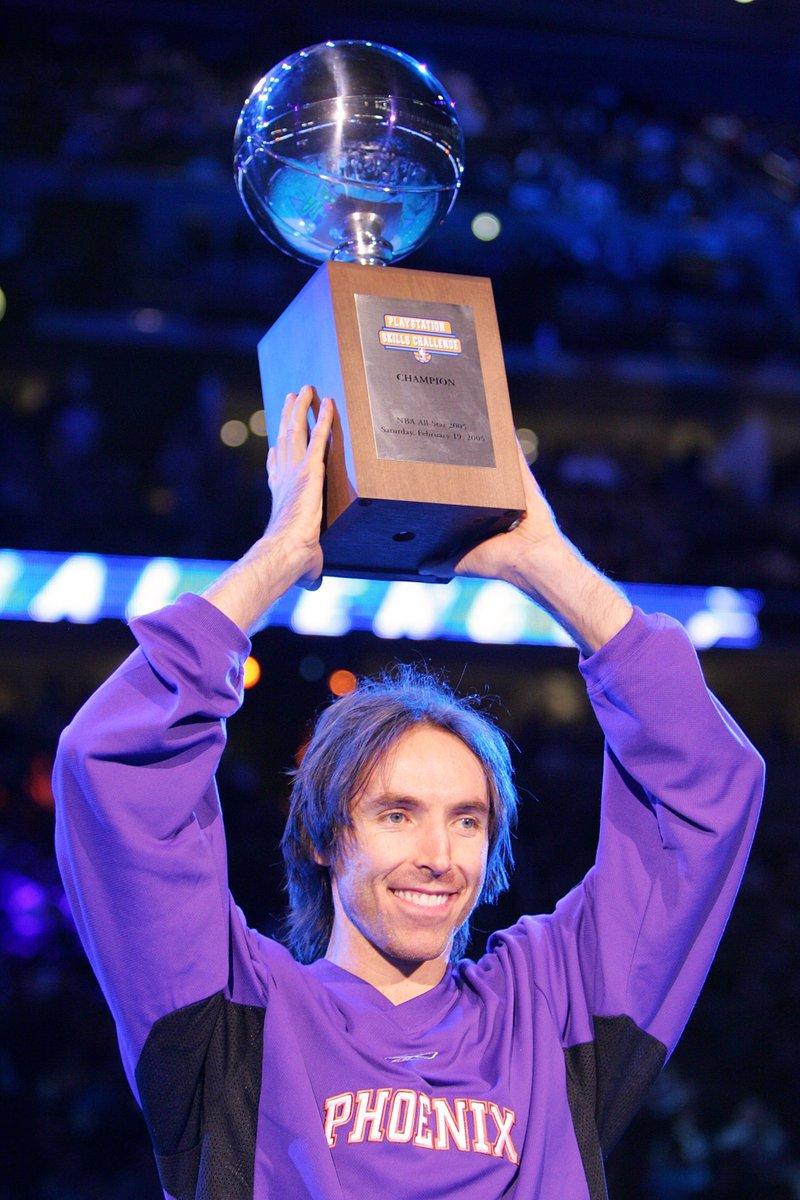 .@SteveNash, @DwyaneWade e @Dame_Lillard são os maiores campeões do Desafio de Habilidades! Cada um deles possuí 2 títulos! Acompanhe o #TacoBellSkills do #NBAAllStar, às 23h, na @ESPNagora, @SporTV .com e NBA League Pass (https://t.co/H49fGU7MkL)! #NBAnaESPN #AllStarNoSporTV
