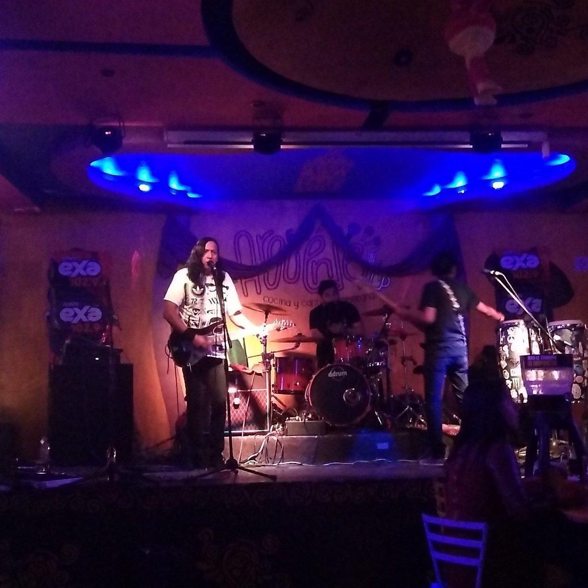 En el escenario de El Argüende @leonazul...