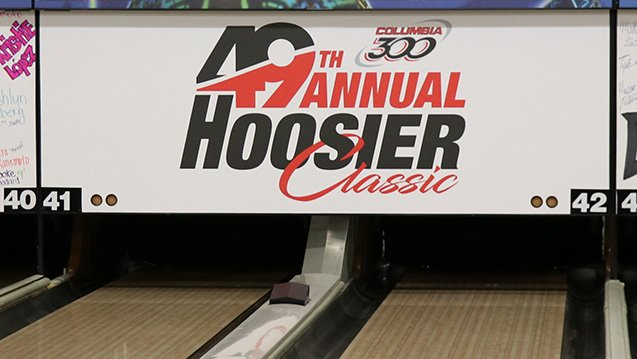 The Wisconsin-Whitewater men and four-time defending champion Wichita State  women lead after the opening day of qualifying at the 2018 Hoosier Classic.  Read about it here: https://t.co/LCiOvBwIRN  Coverage on #BowlTV will continue Sunday at 7:30 a.m. Eastern! #CollegiateBowling