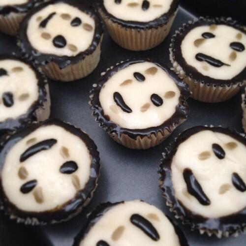 【千と千尋の神隠し】 カオナシカップケーキ♪