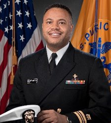 He's a commander at the CDC. He was once named one of Atlanta's 40 under 40. And he hasn't been seen in almost a week. #TimothyCunningham