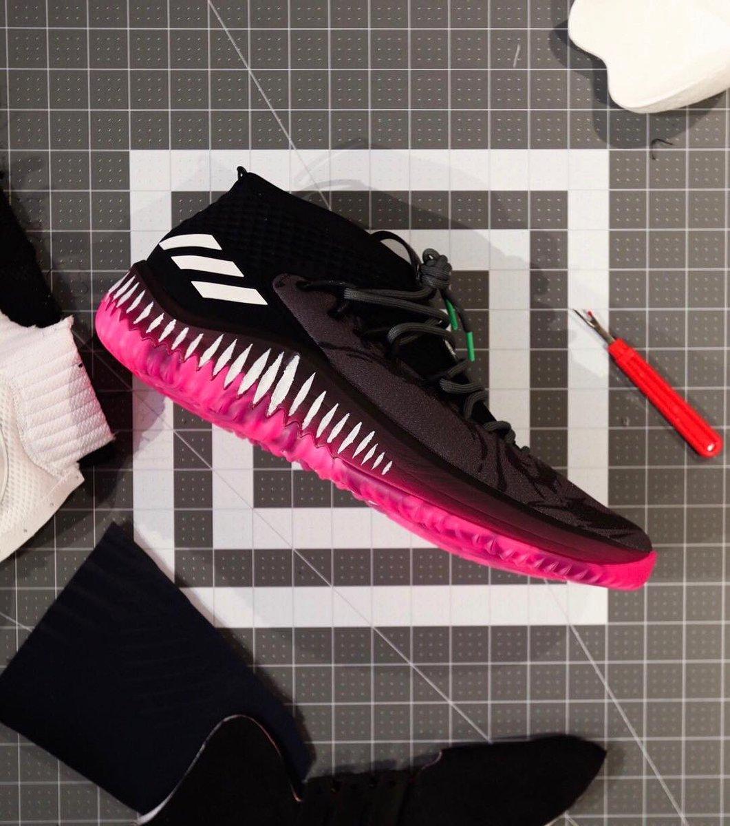 adidas dame 4 black panther