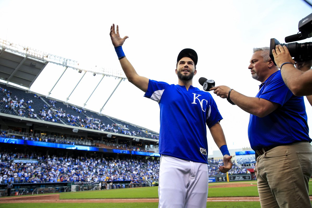 Padres reportedly sign Eric Hosmer https://t.co/dpcHLsViam