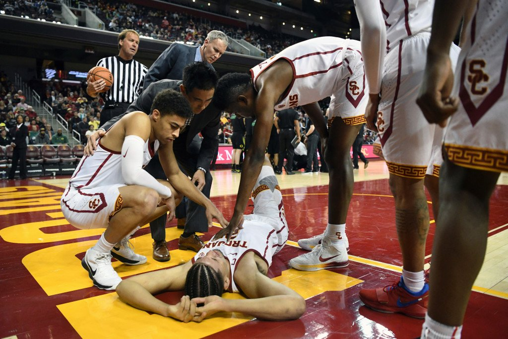 USC's Bennie Boatwright mum on future after season-ending knee injury https://t.co/qiy5kDprMD