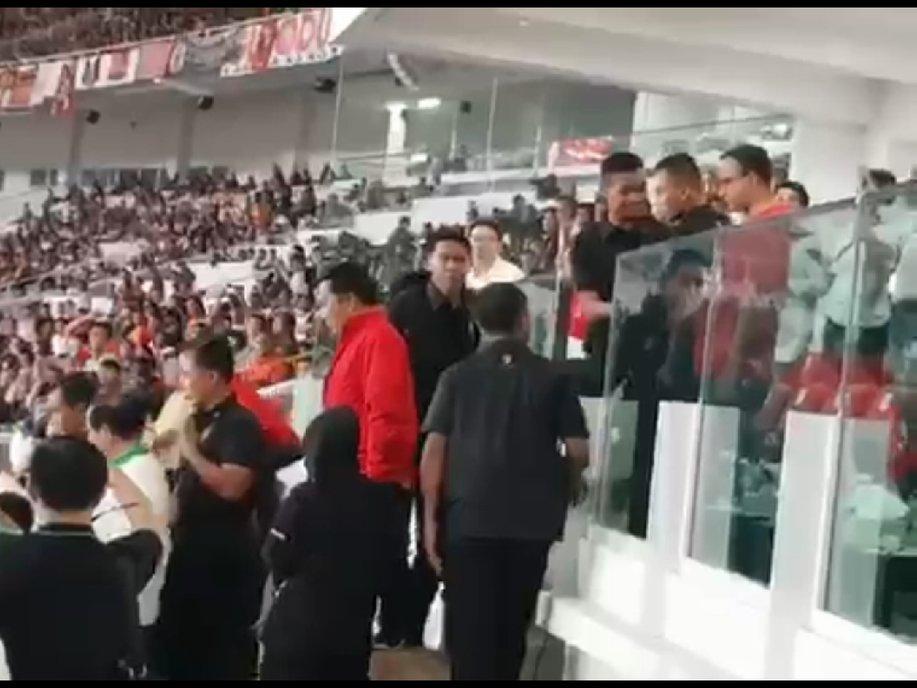 Viral Anies Tak Diajak ke Podium Piala P...