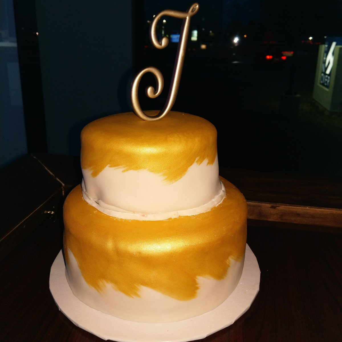 Patricia Bedford On Twitter Sugas Does Gold And White Birthday
