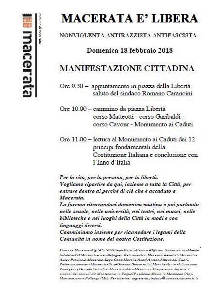 Tra poco parte il corteo qui a #Macerata...