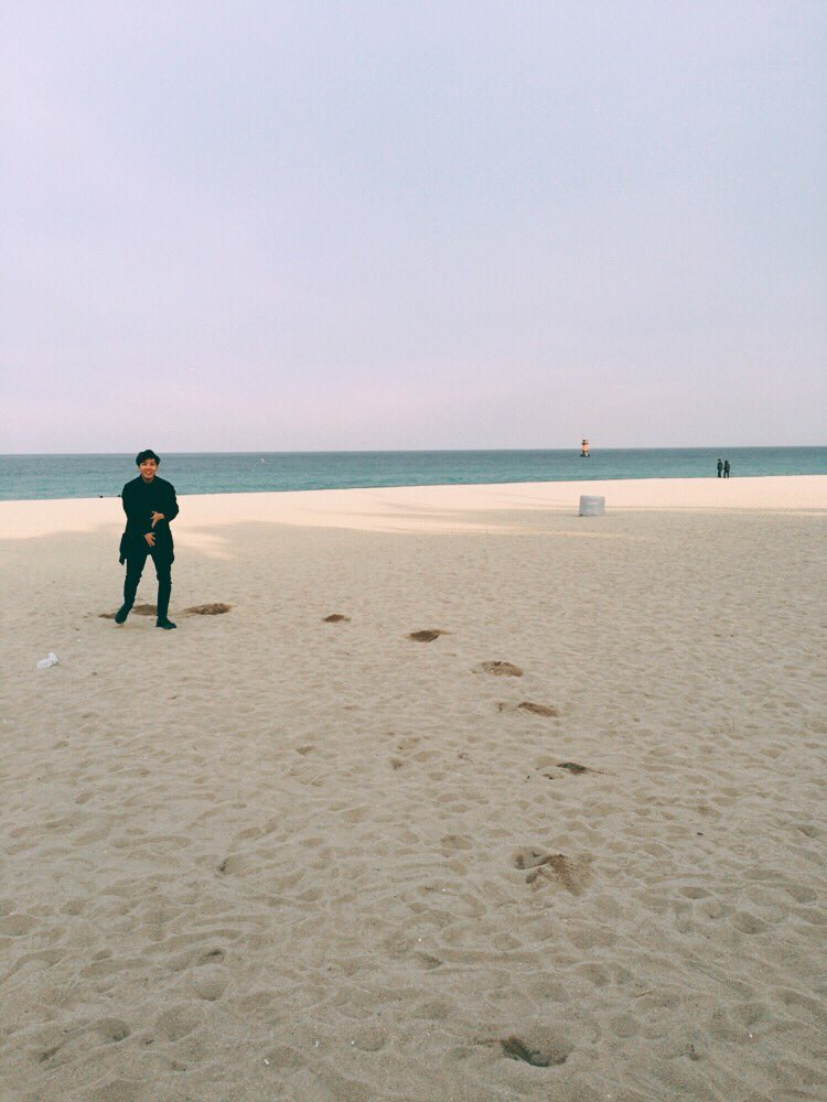 🏖 #홉이생일ᄎᄏ #🐯 https://t.co/roDb2l2tmW