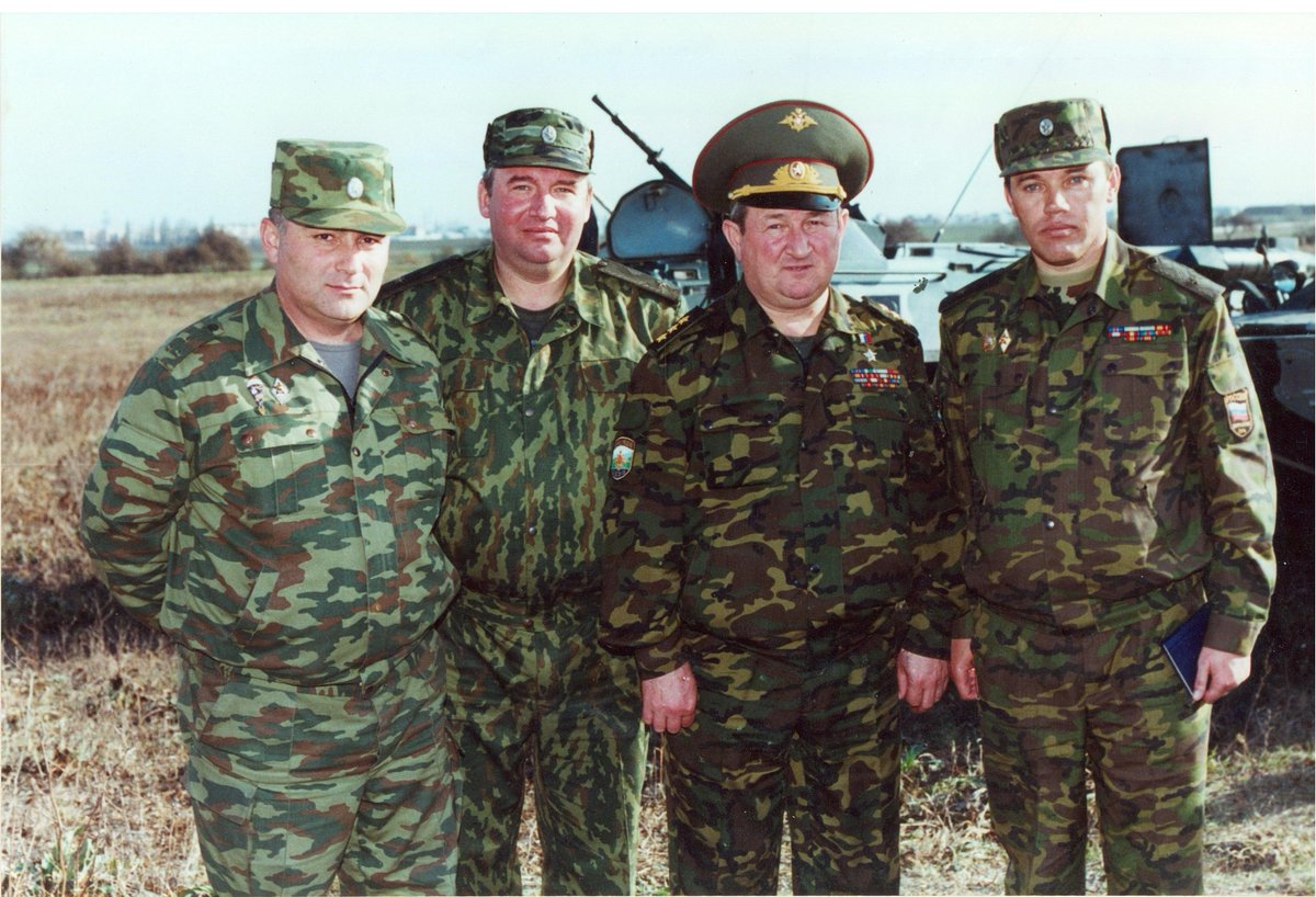 Russian Ground Forces: News #2 - Page 29 DWU3DsJX4AAC5Sk