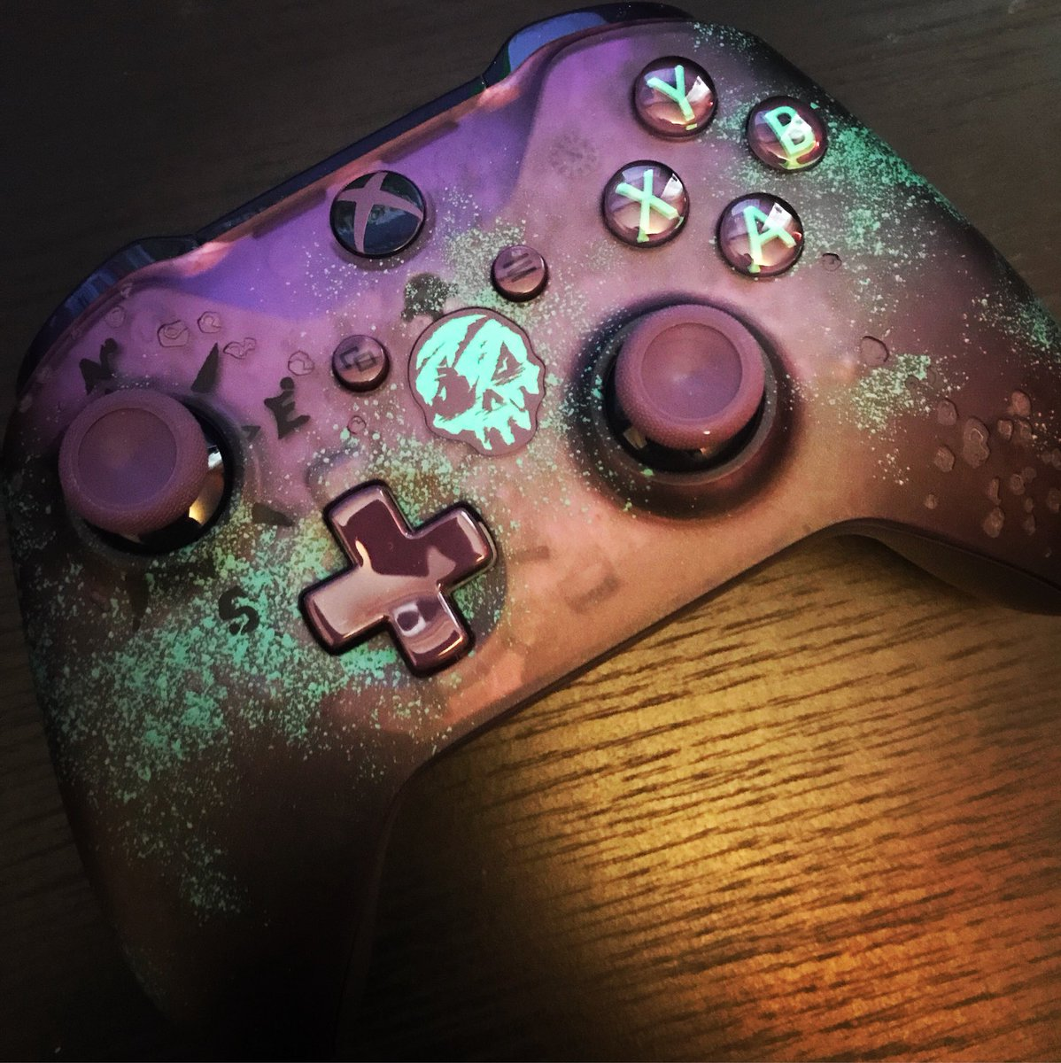 This amazing #SeaOfThieves #XboxOne controller is available in store now!  I got mine and with a deal like this what are you waiting for to get yours?!  Trade in your old controller and pick up this bad boy for only £34.99!! https://t.co/pRNwFWMzih