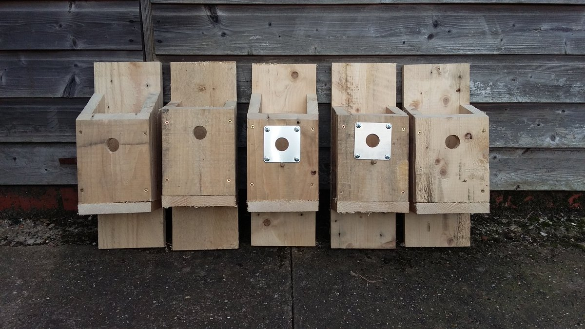 #NationalNestboxWeek a few more knocked together today just the lids to attach @_BTO @SupportNWT @Natures_Voice and the start of a #bughotel as well