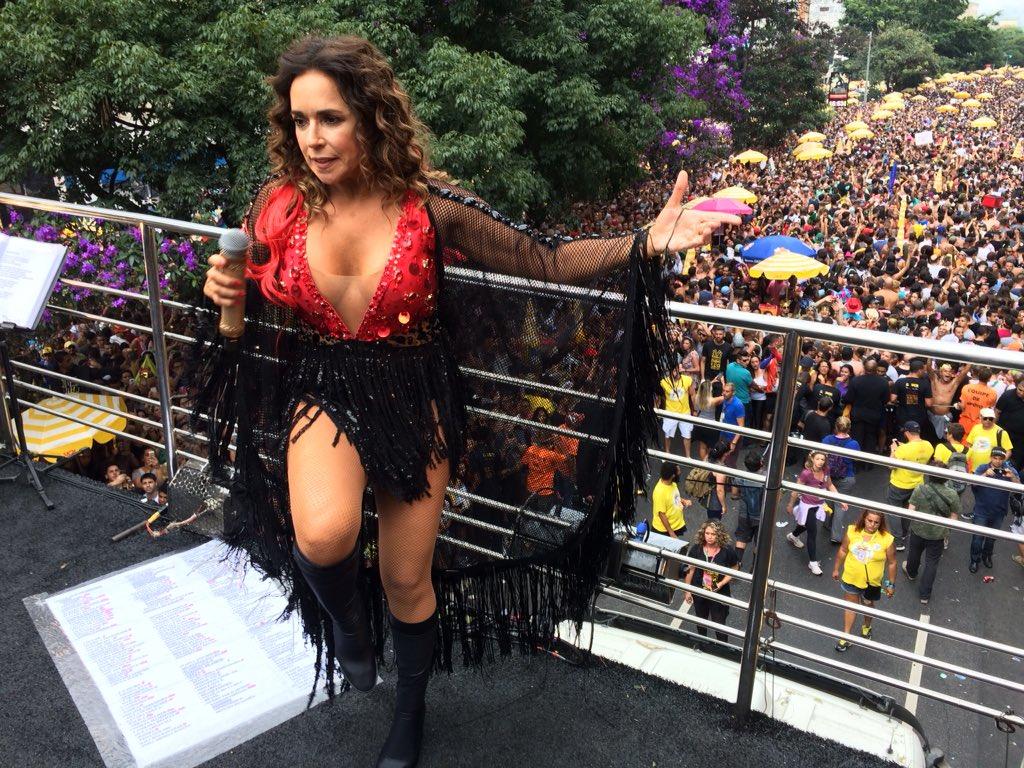 Daniela Mercury celebra São Paulo no enc...