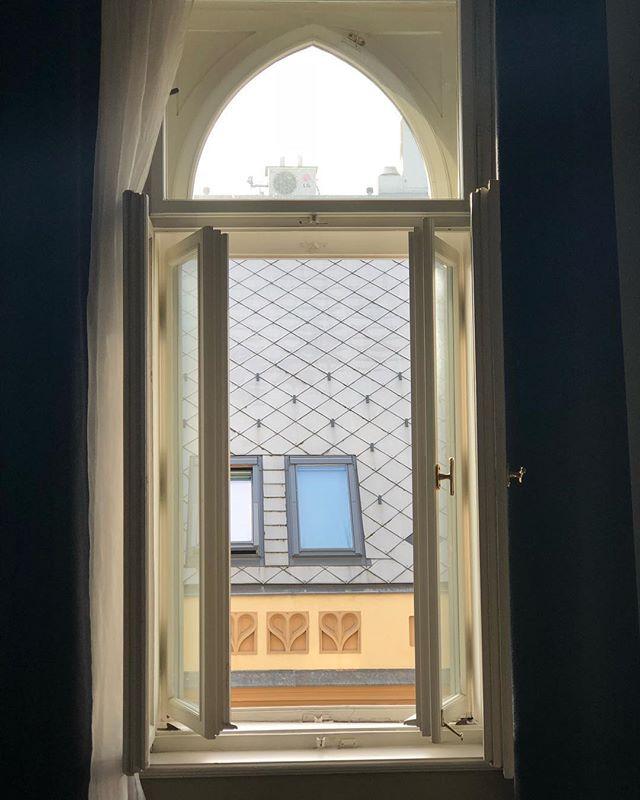 Hostel room views of Vrsovice 📷: @edenbenney3107 https://t.co/nNFdsBXvhi