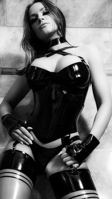Oh, wow... #latex #rubber #pvc @CatsuitF...