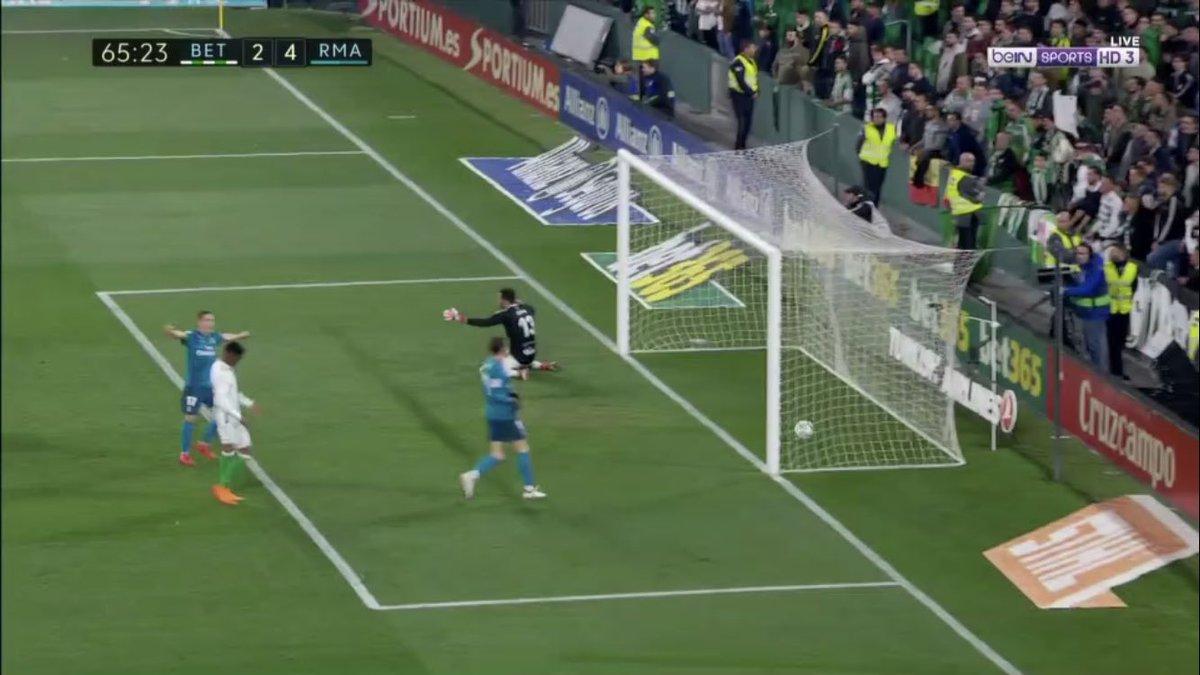 هدف ريال مدريد الرابع فى شباك بيتيس - رونالدو