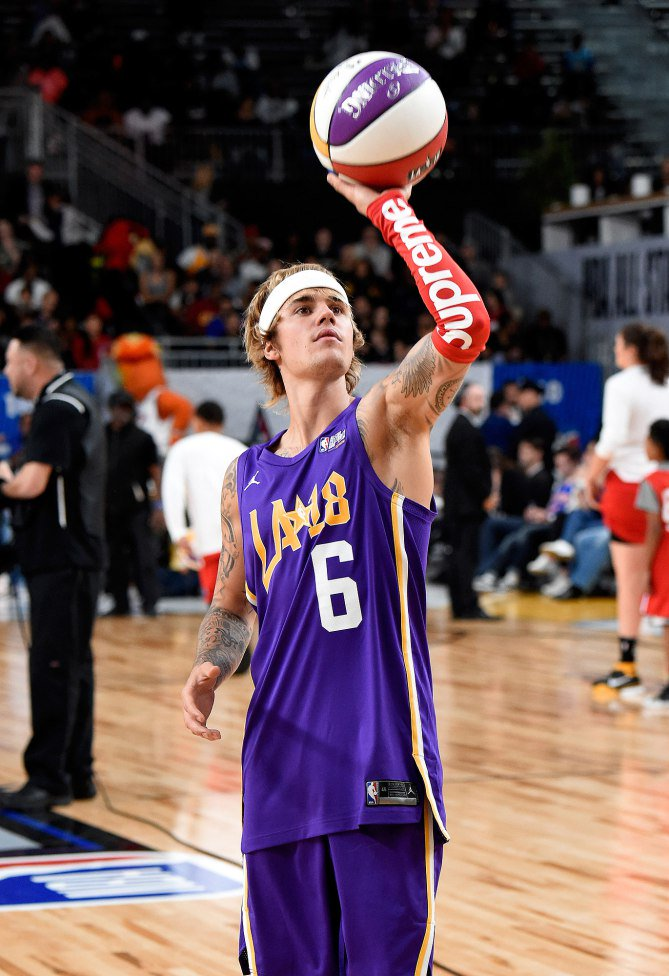JustinBieber Rocking The Supreme X Nike NBA Shooting Sleeve In NBAAllStar Celebrity Game Thoughts TheSupremeSaintpictwitter GuQhyrvVN8