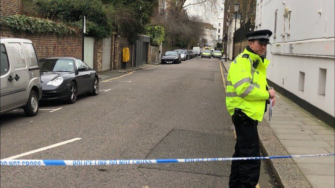 Murder investigation launched after fatal stabbing in Kensington, west London https://t.co/RAM2br3EYc