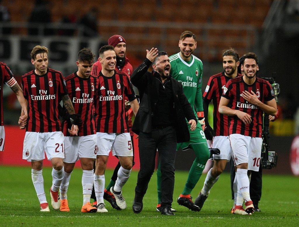 ✅ 1-0 vs Inter ☑️ 1-1 vs Fiorentina ✅ 1-0 vs Crotone ✅ 2-1 vs Cagliari ✅ 2-1 vs Lazio ☑️ 0-0 vs Lazio ☑️ 1-1 vs Udinese ✅ 4-0 vs Spal ✅ 3-0 vs Ludogorets ✅ 1-0 vs Sampdoria  Milan are unbeaten in 10 matches, 4 goals conceded. Consistency. #MilanSamp
