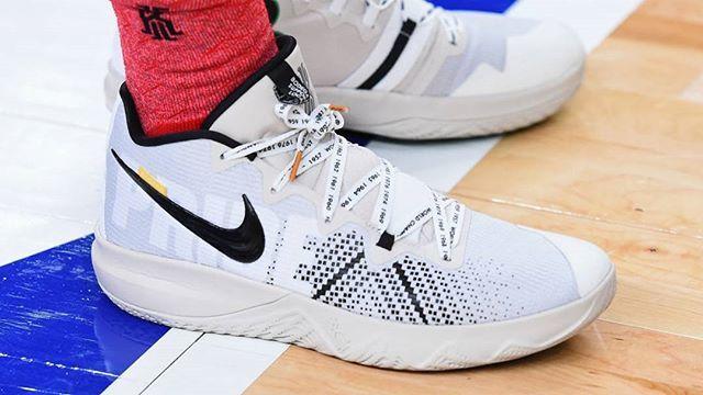 23fd0360ffe ...  feetheat  kicks  kyrie  basketball  ballers  nike  fashion  instagood   love  kickstagram  s… http   ift.tt 2CrFaAJ pic.twitter.com gz93yGB7x9