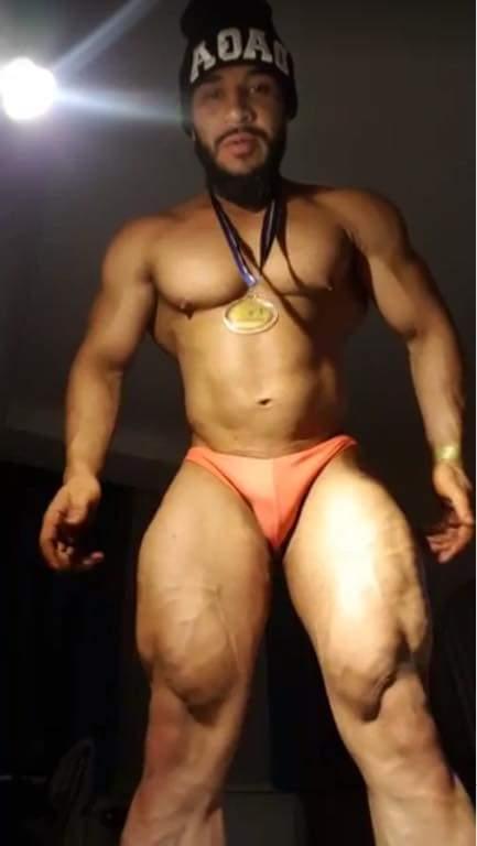 Vato nalgon. #muscleman #machohot #CuloD...