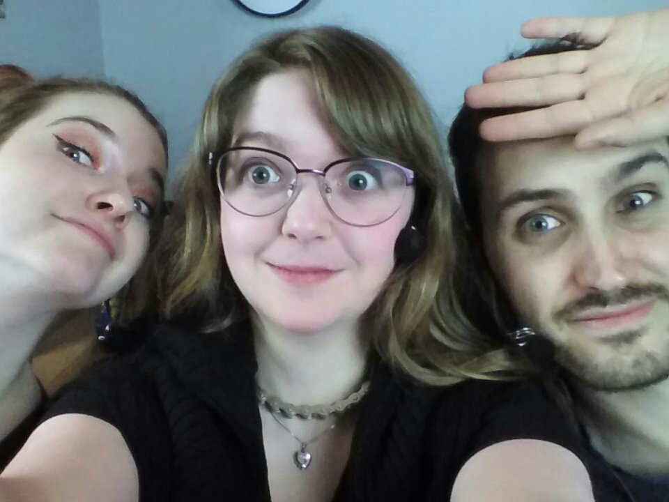 Time for a #MysteryDate! Which of us will it be?! #ChangelingTS is live now on  http:// twitch.tv/jonverrall    <br>http://pic.twitter.com/ISox49geNm