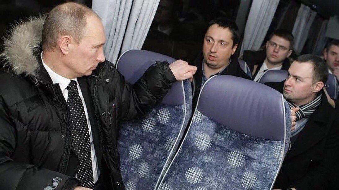 Cuando te mira Putin, se te suben los hu...