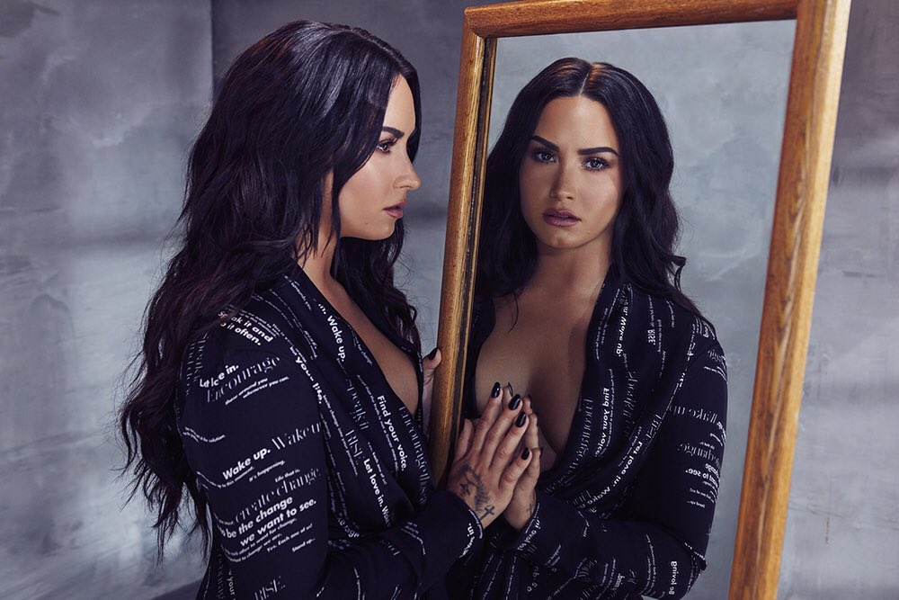 Demi Lovato top tweets