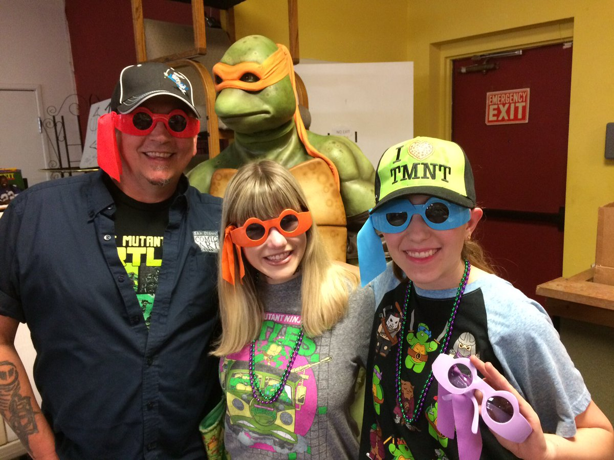 Crazy fun trip to Arizona #TMNT https://...
