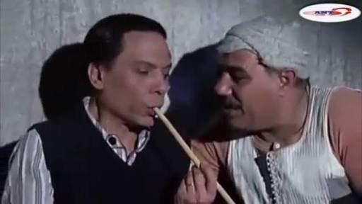 ' الزمن ده بقت فيه  الهدوم النظيفة تداري...