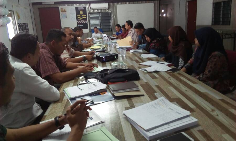 Februari 2018 Mesyuarat tapak ke 11 bagi Projek KK3 Chendering Kuala Terengganu #Negaraku #BerJasaKepadaRakyat #infrarakyat #PPPT #JKR @TeamProjekTrg @jid_nek @irckb_chedin @yusufghani200 @ShiedtypeR
