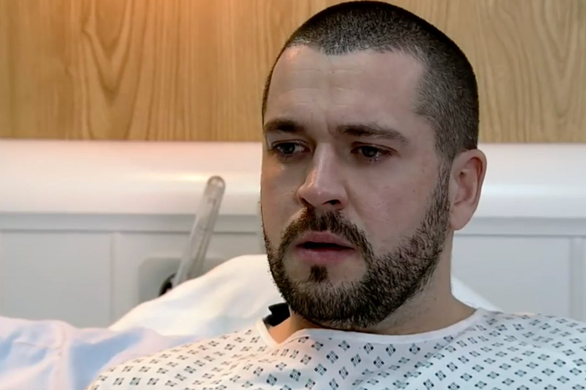 Coronation Street: Aidan and Carla go under the knife tonight – will they both survive? Watch the new scene https://t.co/69OQcsCYm4 #Corrie