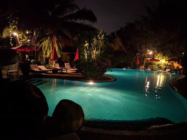 test Twitter Media - Ohh this pool! #pool #Night #Poolside #Phuket #Thailand #Rawai #traveler #travelersnotebook #travisscott #travelblogger #travelblog #Asia #AmazingAsia https://t.co/ZRe02KohIc https://t.co/jsU9RIydKS