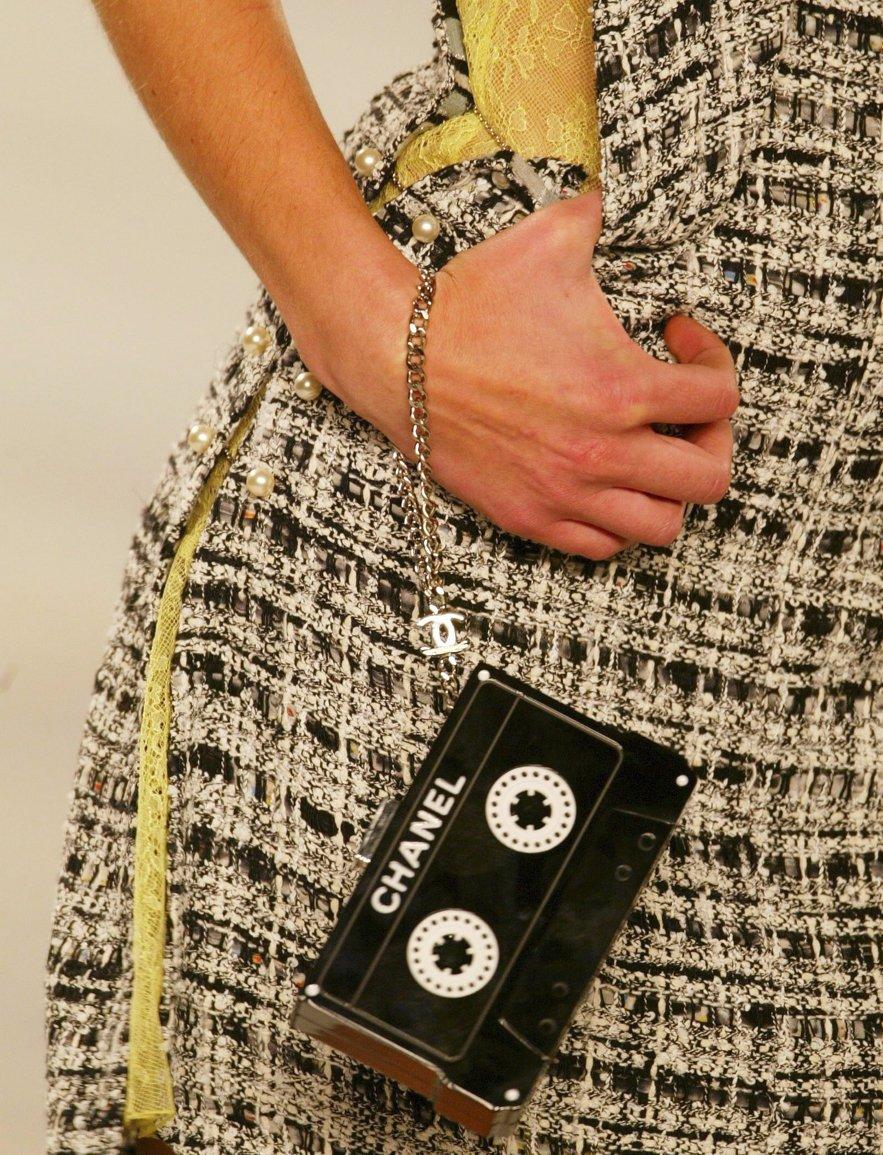 Toutes les musiques des défilés Chanel compilées dans une playlist https://t.co/EuSVudzupk  @AppleMusic https://t.co/qXPvibP3nw