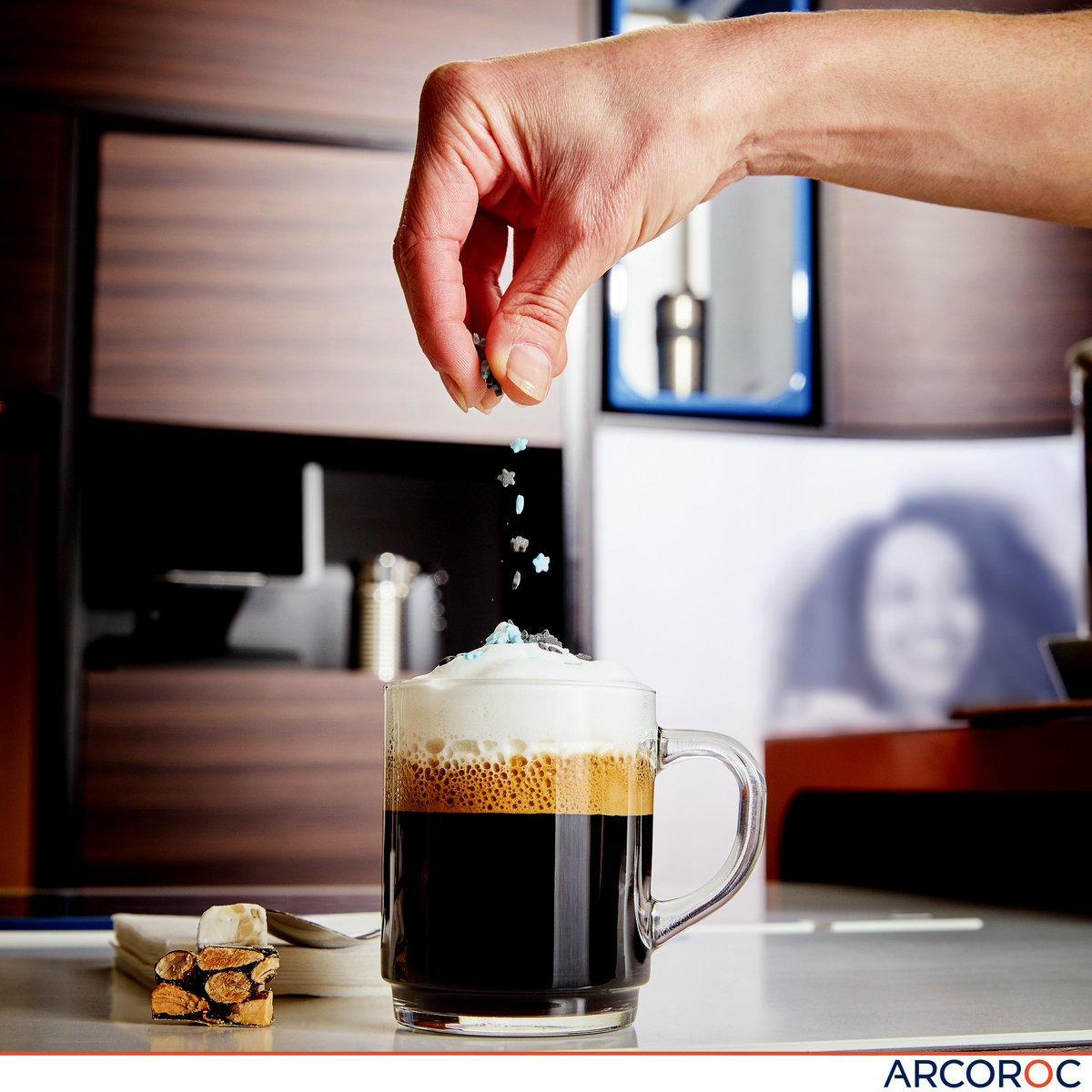 Arc Tableware UK on Twitter \ Arc Tableware delivering some much need #MondayMotivation in the form of putting sprinkles on a coffee!!! & Arc Tableware UK on Twitter: \