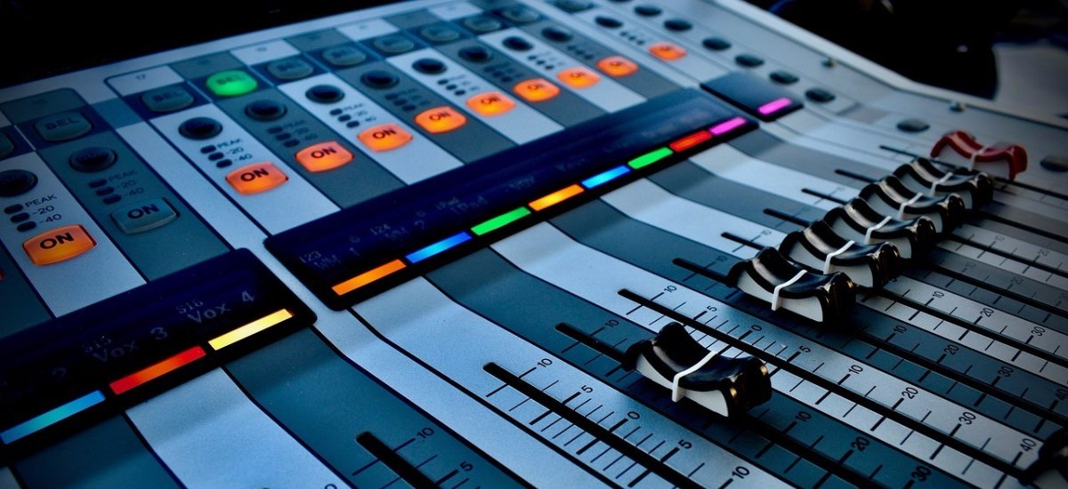 8 royalty-free music sites to soundtrack your videos (without getting sued): ow.ly/P2Al30iuqcO