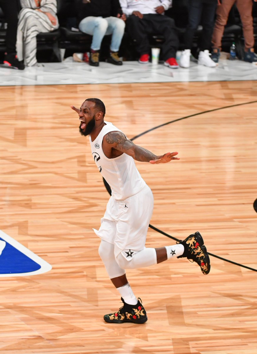 LONGEVITY  Last night, #LeBronJames won his 3rd #NBAAllStar Game MVP, after receiving the honor in 2006 and 2008.  The 12-year gap between LBJs 1st and last All-Star MVP is the longest in @NBAHistory , surpassing the 10 years between Michael Jordan's 1st (1988) and last (1998).