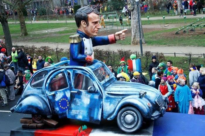#Macron vu par les Allemands au #Carnaval du #MardiGras …  - FestivalFocus
