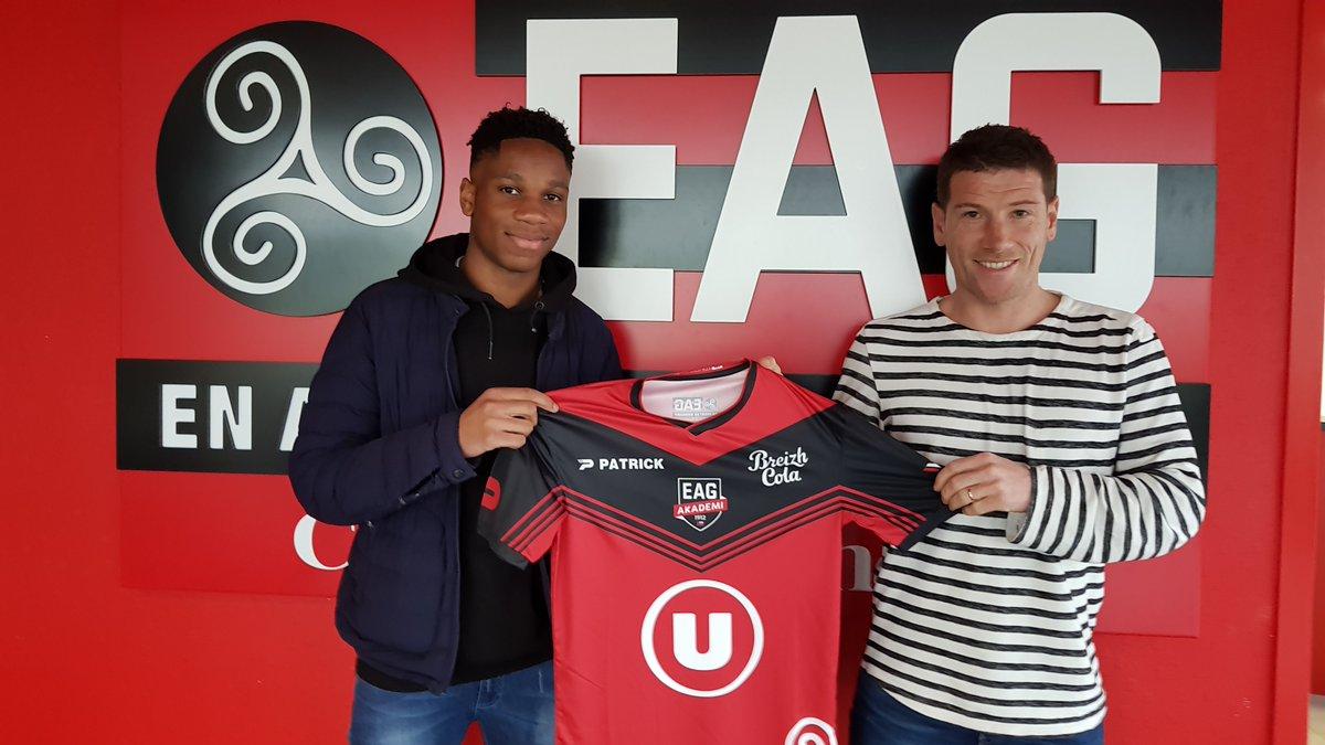 15 ans après le départ de son père, Isaac Drogba signe à Guingamp