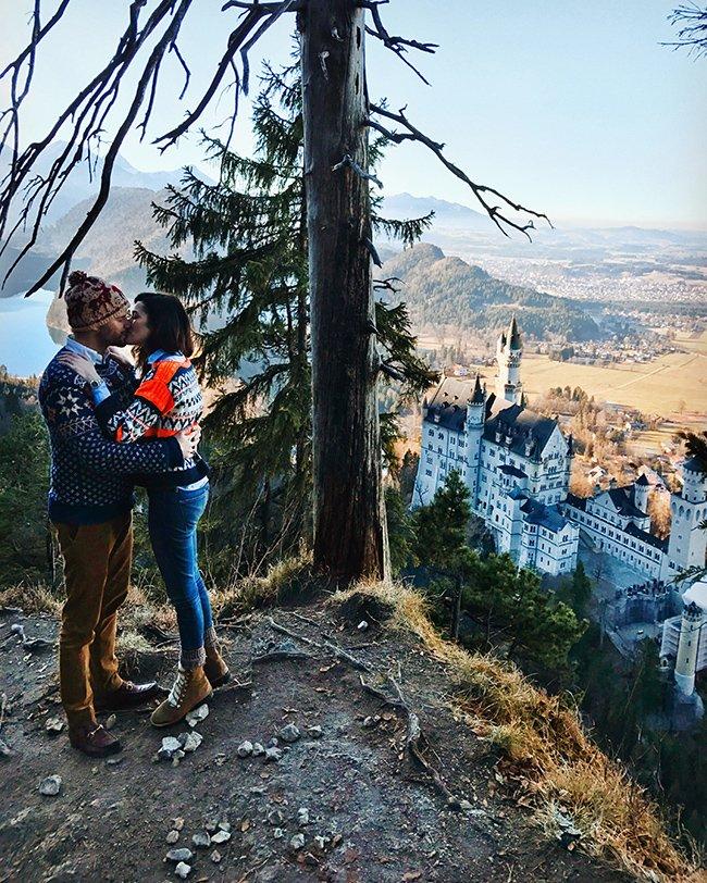 Guide to Neuschwanstein Castle: Sharing our Bavaria travels in my latest post classygirlswearpearls.com/2018/02/neusch…