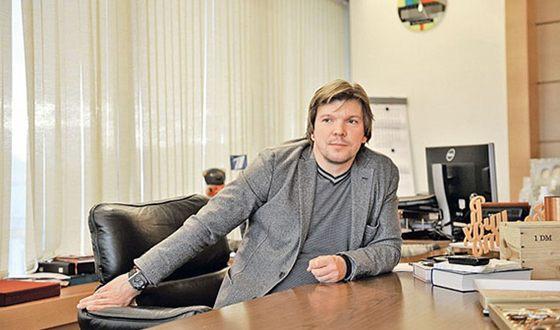 Клейменов сменил Андрееву в качестве ведущего программы «Время»: https://t.co/QM6fUBXwCP