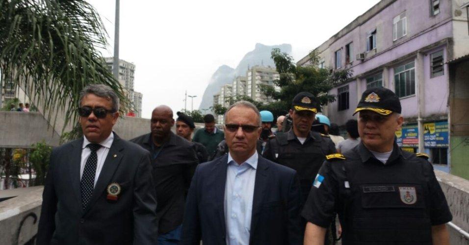 Após intervenção, secretário de segurança do Rio é exonerado https://t.co/rixC7wJJbG