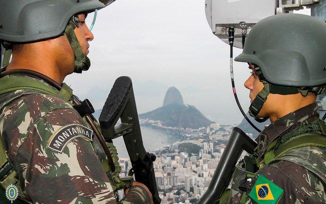Psol pede ao STF que suspenda votação sobre intervenção no Rio de Janeiro → https://t.co/X9TNDnMamM