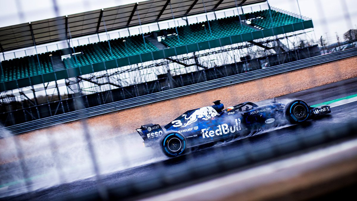 Aston Martin Red Bull Racing On Twitter Making Waves The Rb14 Givesyouwings