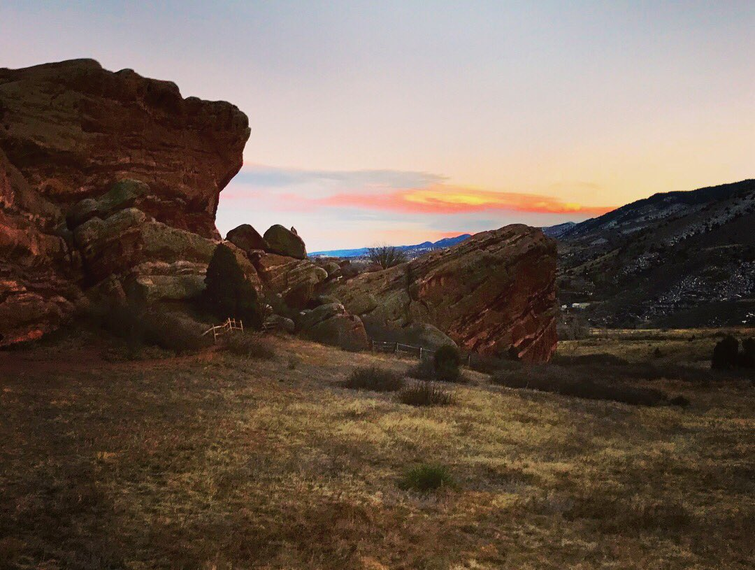 pics from a sunset hike in Red Rocks yes...