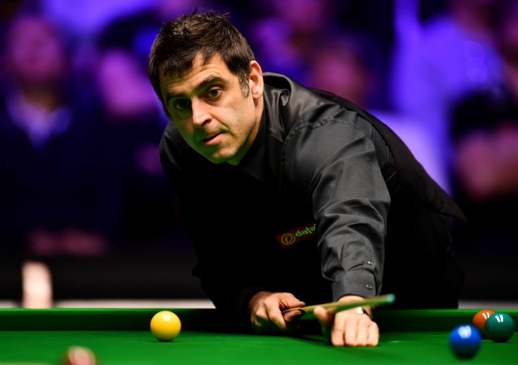 Ronnie O'Sullivan is through to the second round of the World Grand Prix.  He beat Robert Milkins with high breaks of 119 and 73 in Preston.  Read more here ➡️ https://t.co/UmQpllzmp4