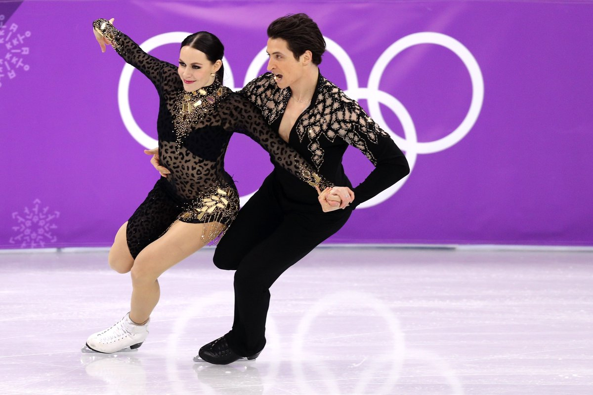 Tessa Virtue and Scott Moir #CAN are double #Olympics champions! Eight years later, they take the #gold medal in #FigureSkating #IceDance again. 👏👏👏 Congratulations! #PyeongChang2018